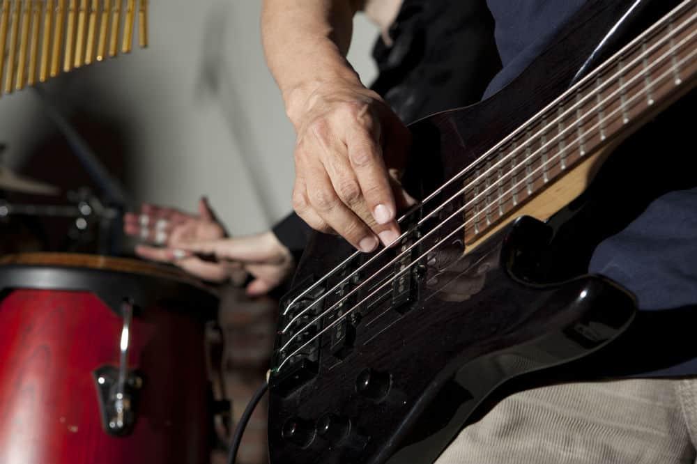 Crescent Electric Bass Guitar Starter Kit Review