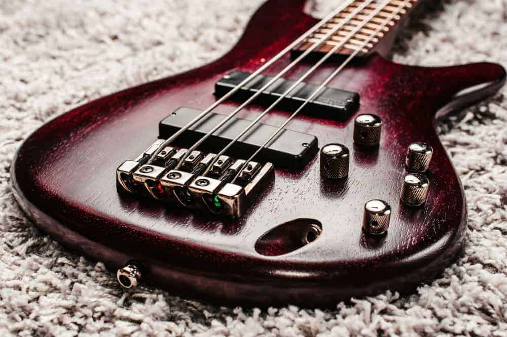 Dean E09M Edge Mahogany Electric Bass Guitar Product Review